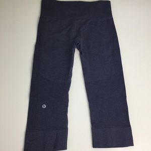 Lululemon Sz 4 Crop Seamless Textured Leggings